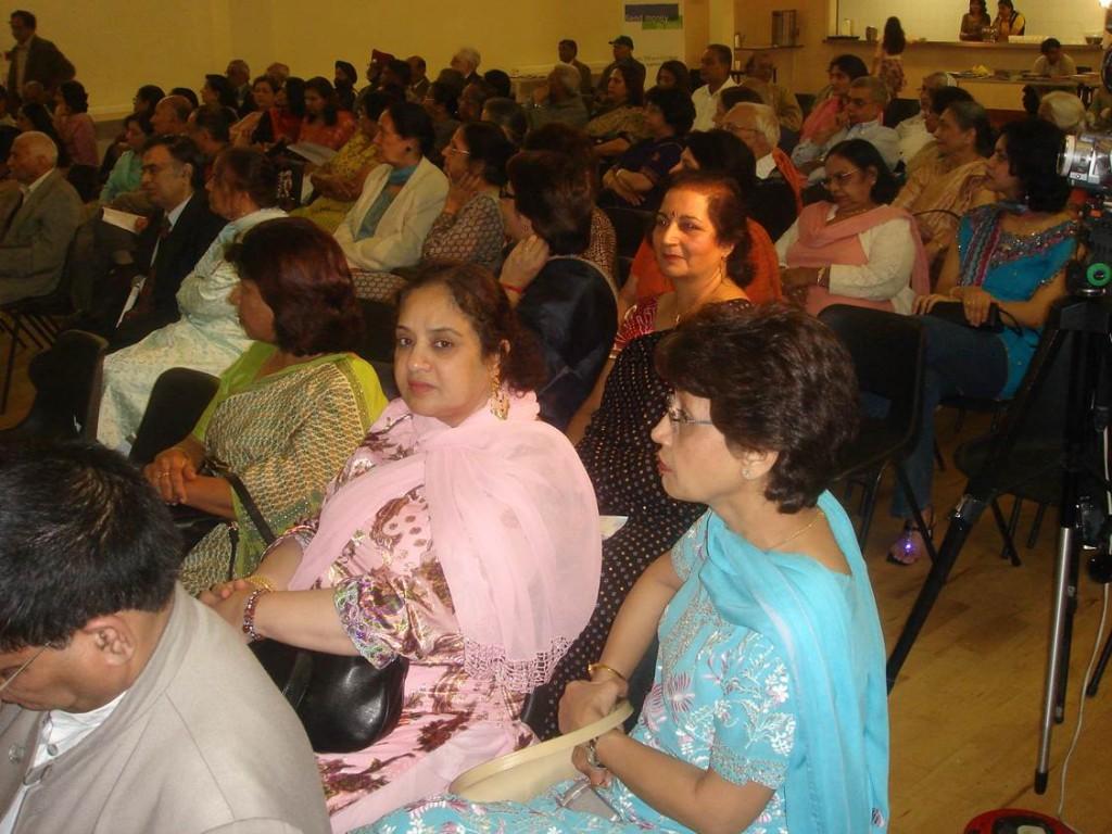 Kavi Sammelan 2007 audience2 - Web