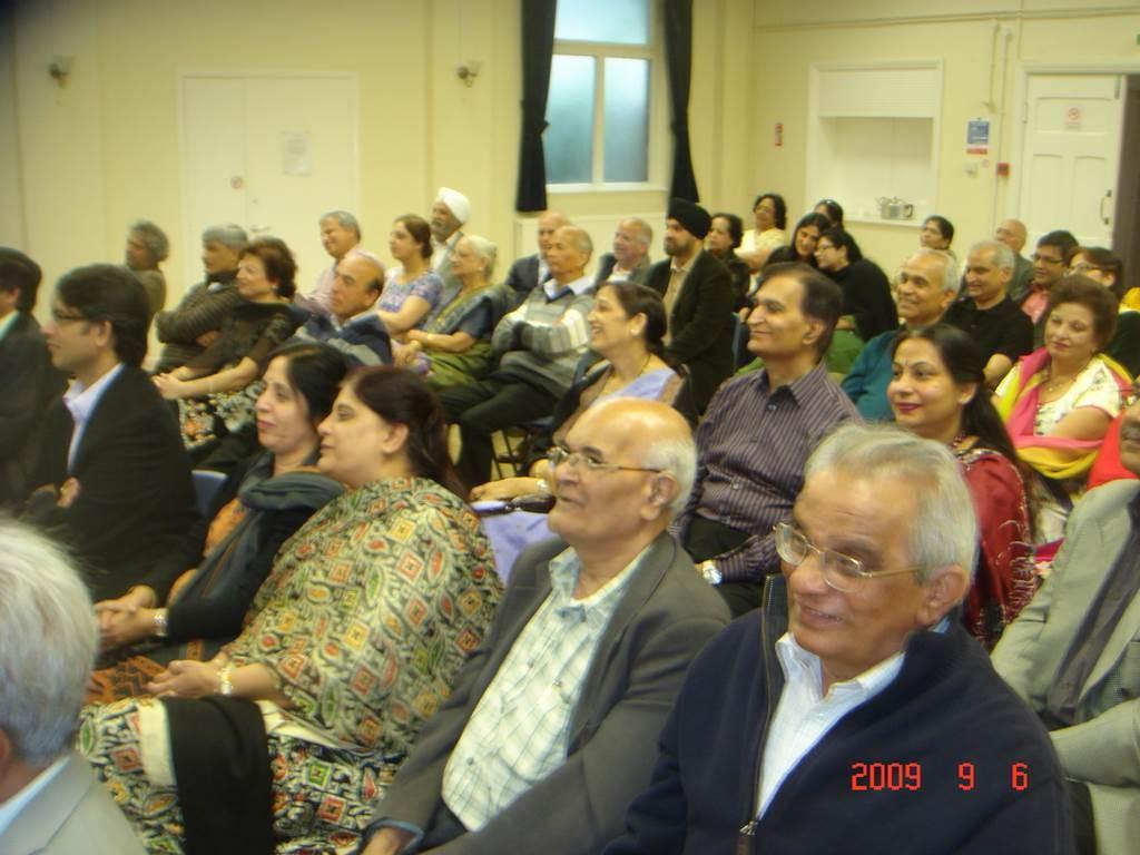 Kavi Sammelan 2009 audience 7 - Web