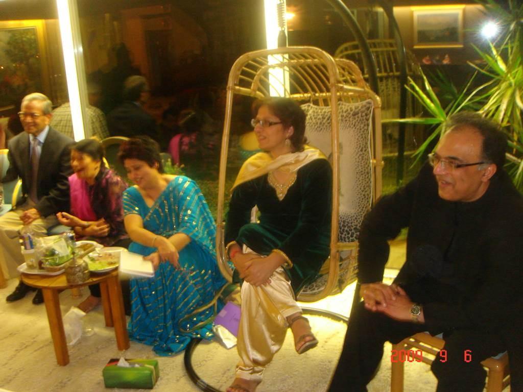 zKavi Sammelan 2009 After the event relaxing1 - Web