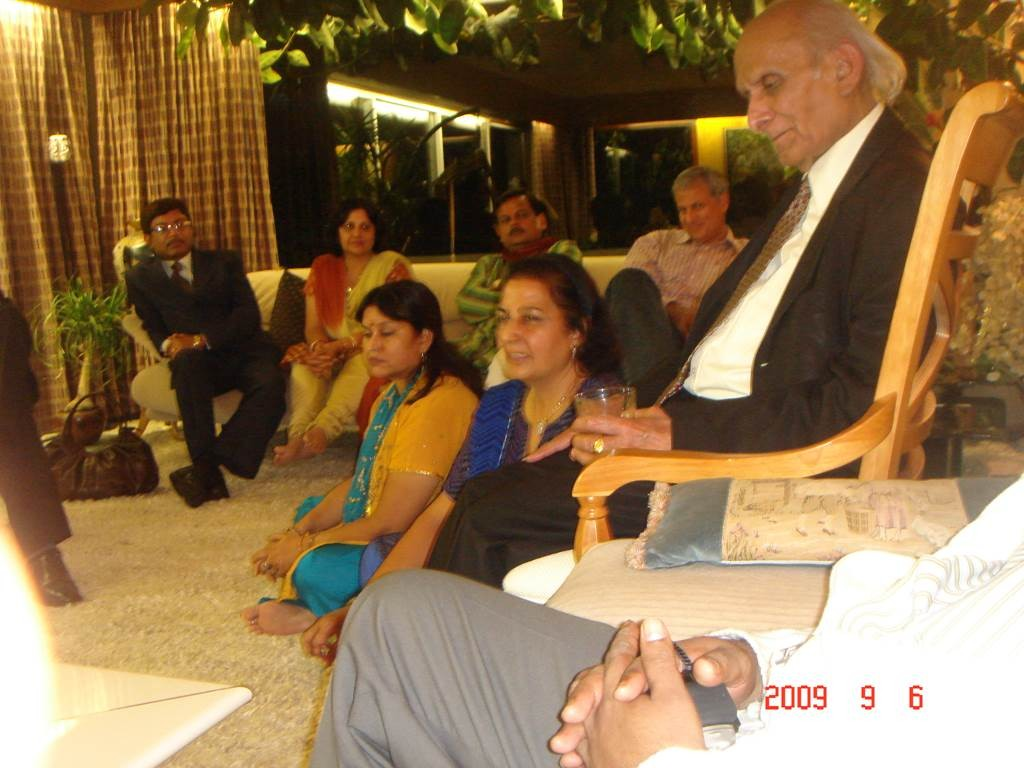 zKavi Sammelan 2009 at home after event - Web